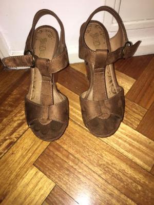 Sandalia de gamuza