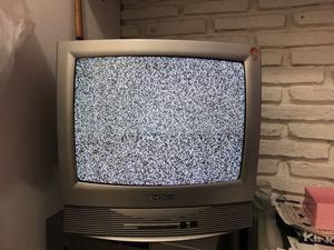 """Vendo tele 21"""""""