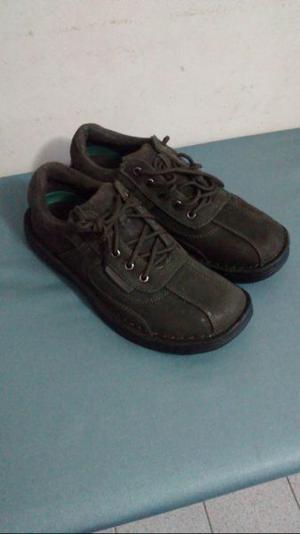 Zapatos de hombre, cuero de nobuk nuevos