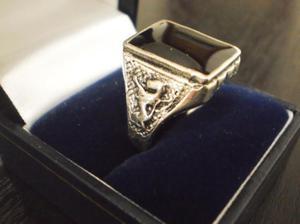 anillos de hombre en plata 900 y esmalte negro onix