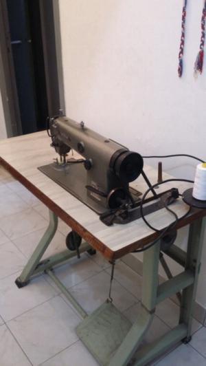 Vendo máquina de coser en perfecto estado