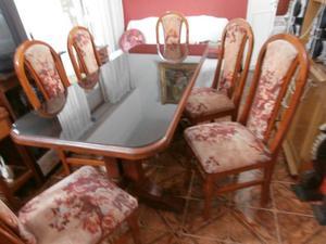1 Mesa de Algarrobo con 6 sillas tapaizadas con respaldo