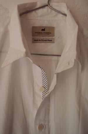 Camisa blanca nueva de vestir