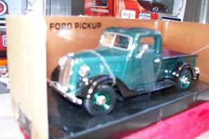 Coleccionables ** vende PICK UP FORD *