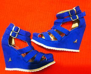 Hermosas sandalias NUEVAS! N°37 de gamuza