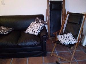 Juego de sofá cama y reposeras en cuero ecológico, muy