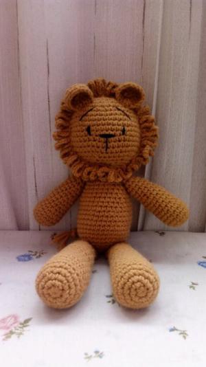 León tejido a crochet