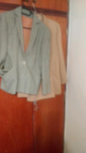 Sacos de lanilla, uno beige y otro jaspeado verde,precio c/u