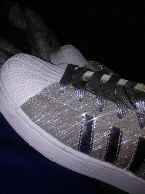Vendo adidas super star gliter plateadas un uso
