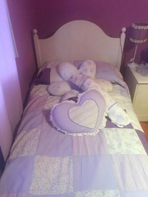 cama roble patinada con mesa de luz y colchon