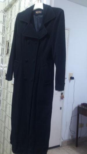 Tapado largo de pana color negro