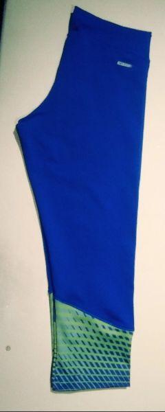 Calza 3/4 Vitnik Azul Francia Talle M. Casi Nueva