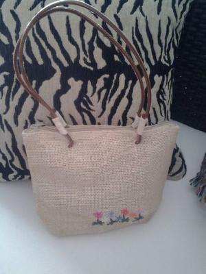 Cartera / Bolso de diseño rústico de Arpillera bordado con