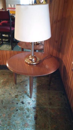 Mesa ratona y lampara