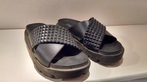 Sandalias Negras De Goma N° 39. Muy Poco Uso. Cómodas