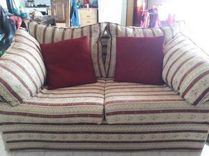 Vendo cómodo sofá cama. muy buen estado!!