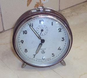 Antiguo Reloj despertador Veglia
