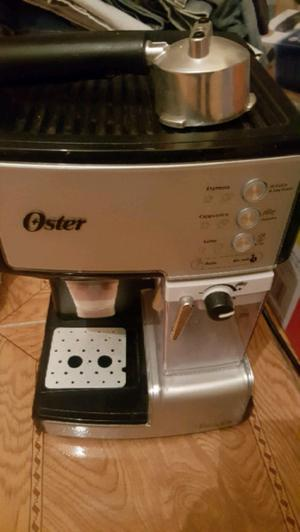 Cafetera Oster latte