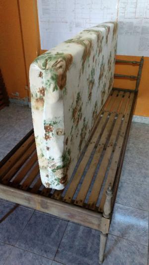 Colchón 1 Plaza De Goma Espuma, Espesor Medio Y Comodo.