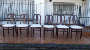 Mesa de roble y sillas con tapizado nuevo