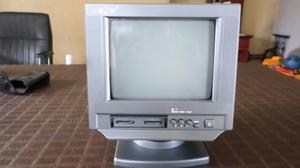 TV. MONITOR DE SEGURIDAD Y RADIO NUEVO EN BERNAL