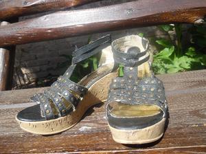 zapatos con taco de corcho
