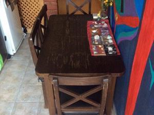 Juego de comedor en madera maciza (Mesa extensible + 4