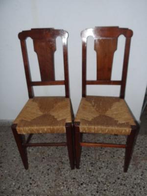 Juego de sillas antiguas impecables
