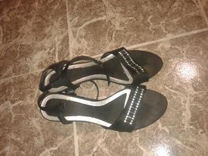 Vendo sandalias número 38, en buen estado a $ 250