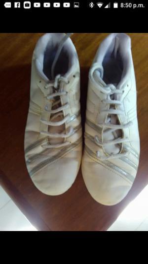 Zapatillas vendo número 36,de cuero