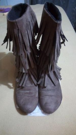 Botas de Gamuza c/ Flecos