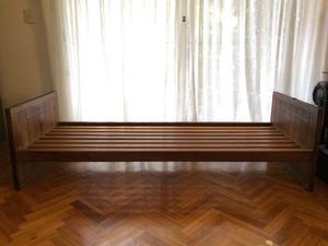 Cama de madera 1 plaza, usada
