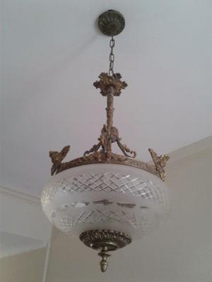Lámpara colgante estructura de bronce muy lindo diseño