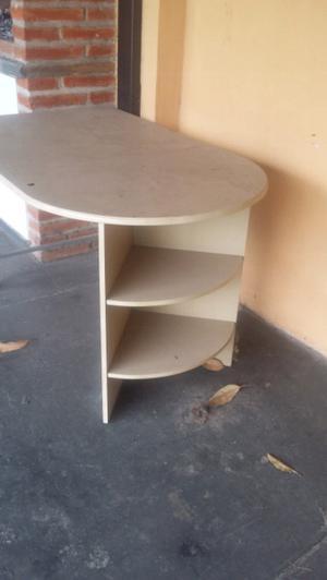 Vendo mesa con 2 sillas