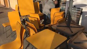 Vendo sillas y mesas de bar