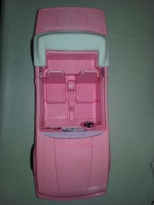 Auto con Muñeca Barbie. Excelente!