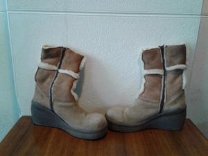 Botas de Gamuza con corderito