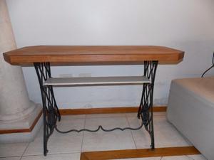 Mesa con pie de Cabiro y tapa de cedro