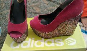 Zapatos plataforma brillosa