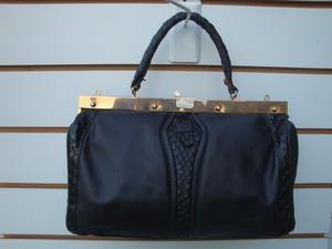 cartera de cuero retro color negro medidas largo 30,5cm alto