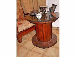 mesa original carretel con vidrio y rueditas