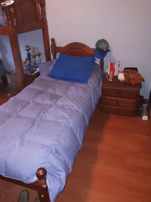 Cuna funcional de algarrobo y camas de 1 plaza