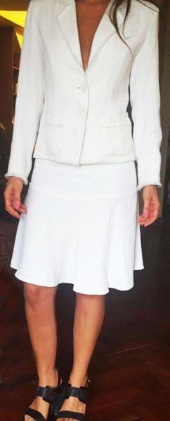 Traje conjunto mujer MAB blanco. Saco y pollera