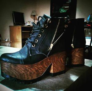 Zapato Borcego Con Plataforma De Madera
