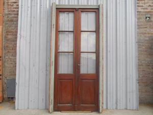 Antigua puerta de madera en cedro (130x265cm)
