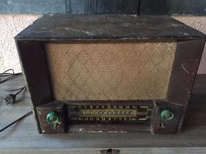 Radio antigua a valvulas de onda larga y onda corta