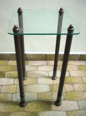 mesa de bronce y vidrio