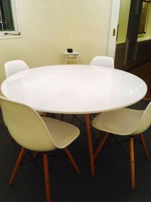 Juego de comedor mesa y sillas escandinavo