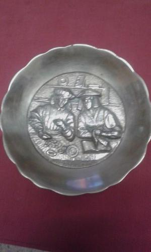 Antiguo Plato De Pared Bronce Con Relieve