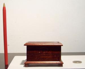 Baúl miniatura, escala 1:12, casa de muñecas